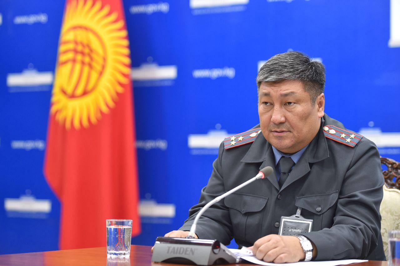 Орозалиев: Бишкекте тамактануу чөйрөсүндөгү ишкерлерге 2700 өткөрмө кагазы берилди