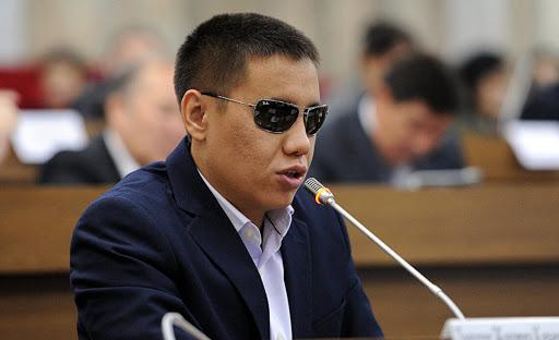 Депутат Бекешев: Коронавируска байланыштуу өлкөдөгү ашыкча чыгымдарды токтото туруу керек
