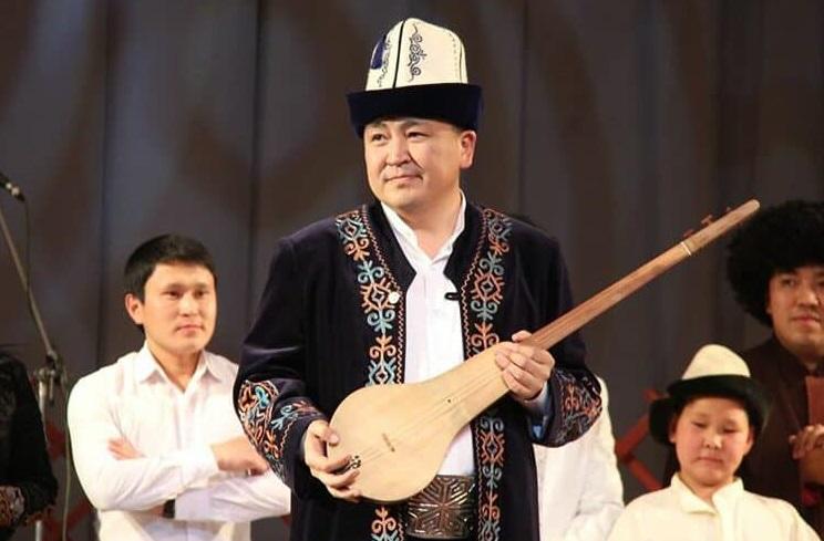 Кыргыз Эл артисти, төкмө акын Элмирбек Иманалиев каза болду