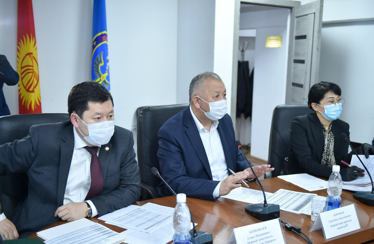 Боронов: Учурда чет жактагы 4 миңден ашык кыргызстандыктар мекенине кетүүнү каалап жатат