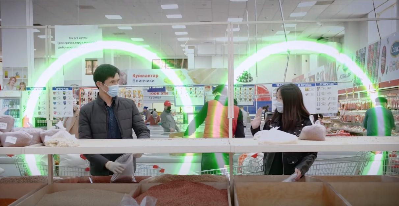 Коронавирустан сактануу үчүн коомдук жайларда аралыкты сактаңыз — видео
