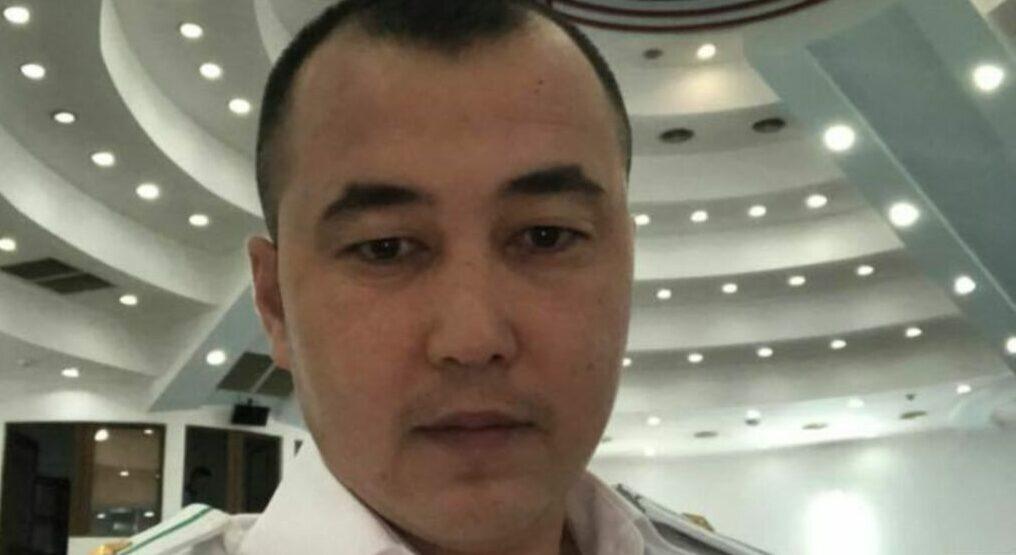 Адвокат Эмилбек Кимсановдун сабалганын айтууда. ЖАМК маалыматты жалган дейт