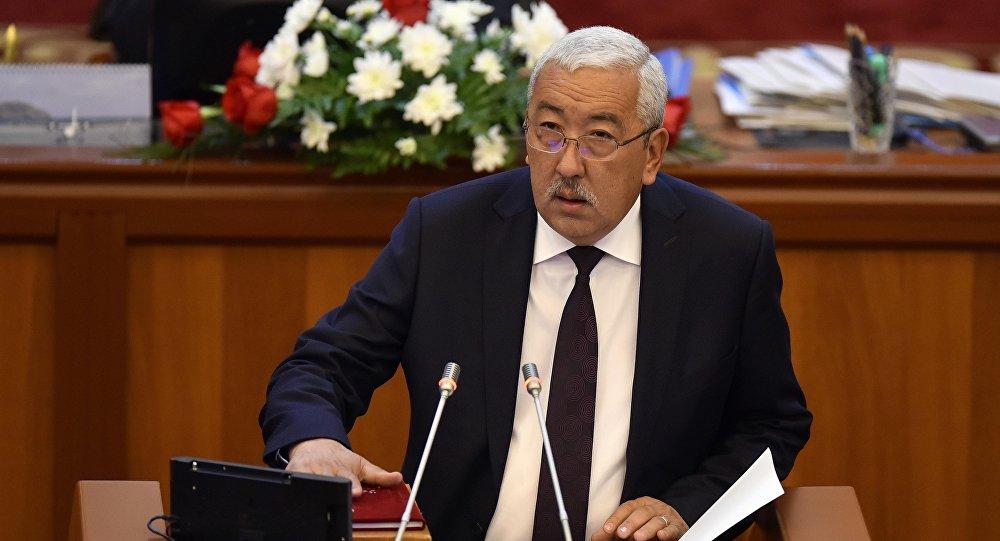 Исхак Масалиев депутаттык мандатын бир ай эрте тапшырат – видео