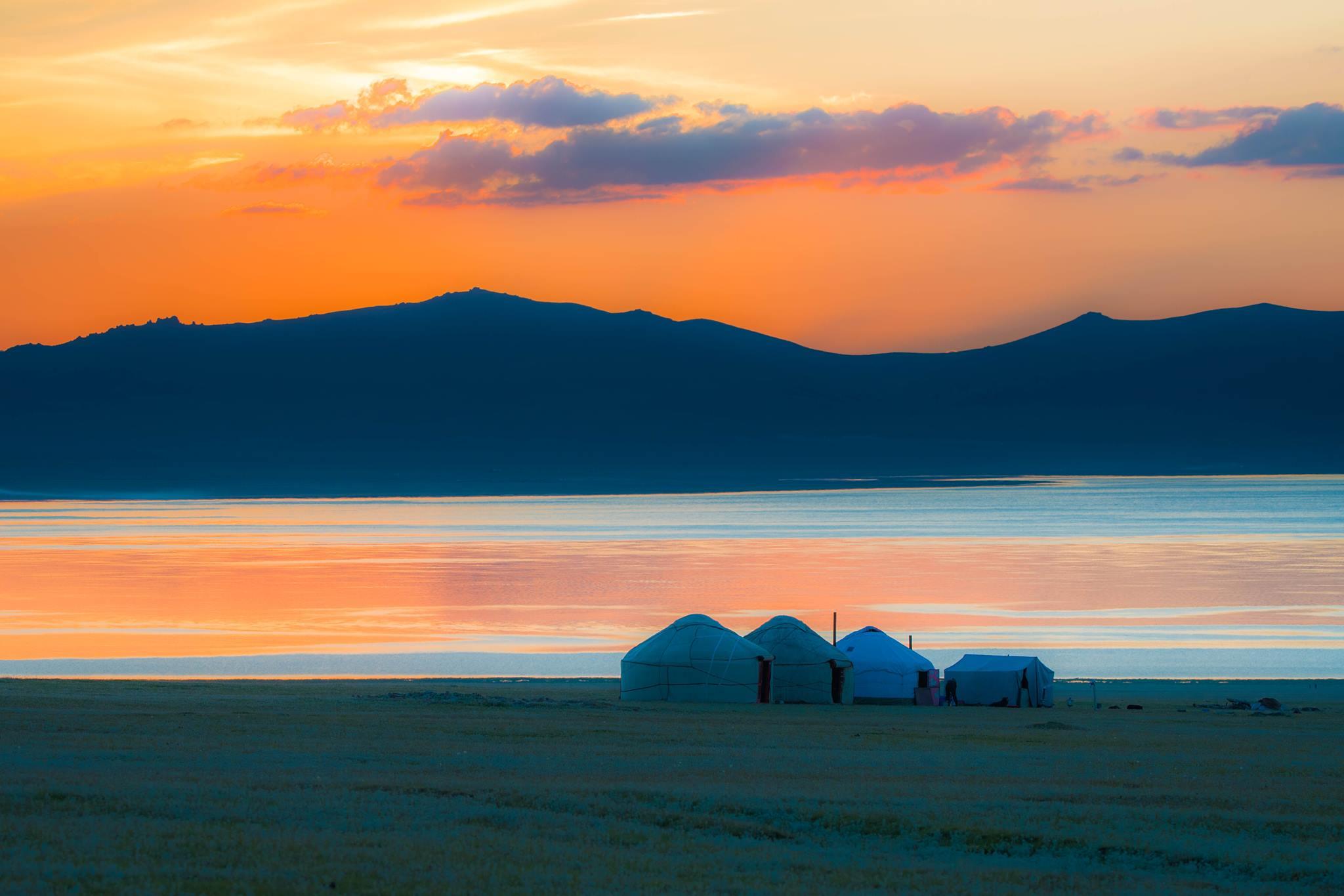 Кыргызстандагы 10 ажайып жайга барып «Ардактуу турист» наамын жеңип ал