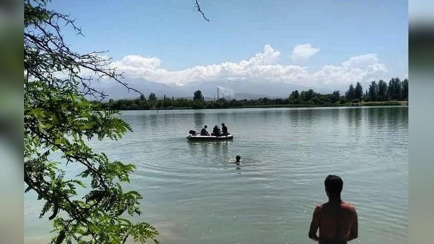 19 жашар жигит ГЭС-5 айылындагы көлмөгө чөгүп, каза болду