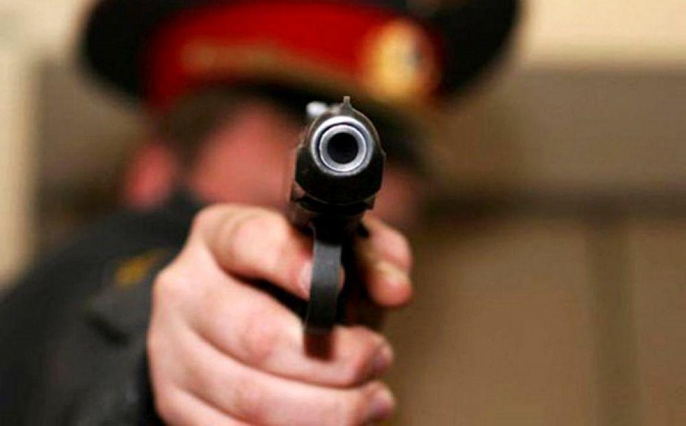 Бишкекте милиция кызматкери тапанча менен жай тургундарды коркутканбы? — видео