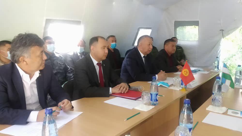 Боронов Баткенде өзбек өкмөтүнүн башчысы менен чек ара чырын талкуулады