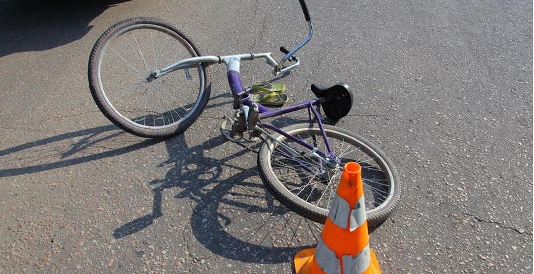 Аэропортко бара жаткан жолдо унаа сүзгөн велосипедчендердин экинчиси каза болду