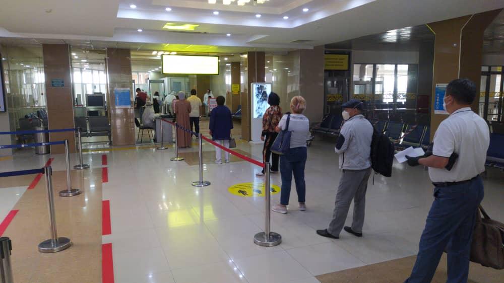 «Манас» аэропорту Кыргызстан боюнча туруктуу жүргүнчү ташуу авиакаттамдарын тейлөөнү жандантууда