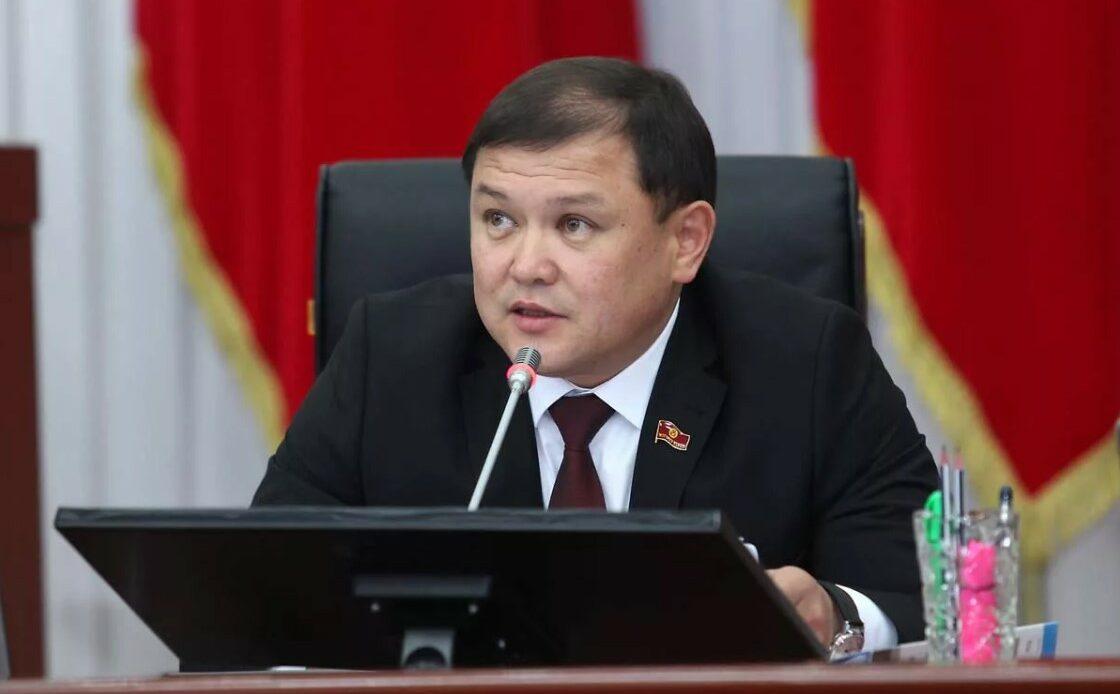 Жумабеков: Коронавирустан улам парламенттик шайлоо жылдырылышы мүмкүн
