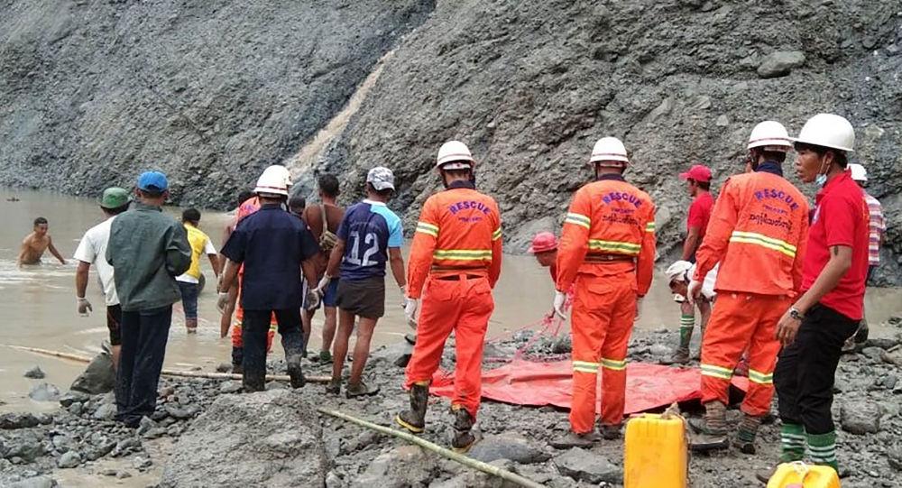 Мьянмада жер көчкүдөн 166 адам набыт болду
