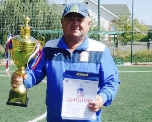 Кыргызстандын эмгек сиңирген футбол машыктыруучусу Азаматжан Кадыров каза болду
