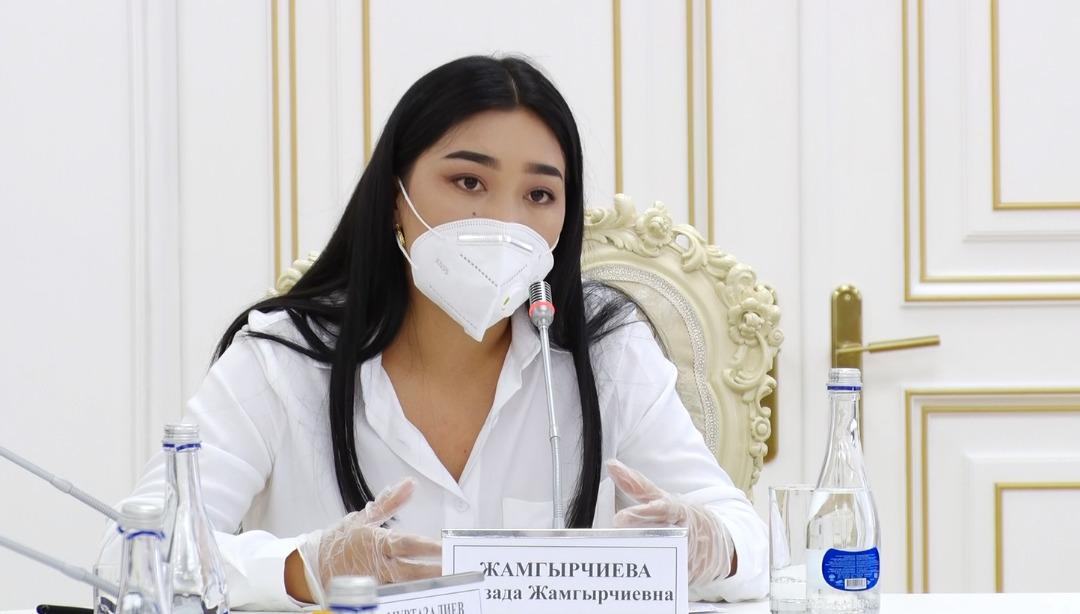 Айзада Жамгырчиева президентке аймактардагы ыктыярчы- медиктер менен онлайн жолугушуу уюштурууну сунуштады