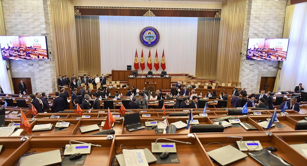 Дастан Бекешев: VII-чакырылыштын депутаттары азыркыдан да алсыз болот