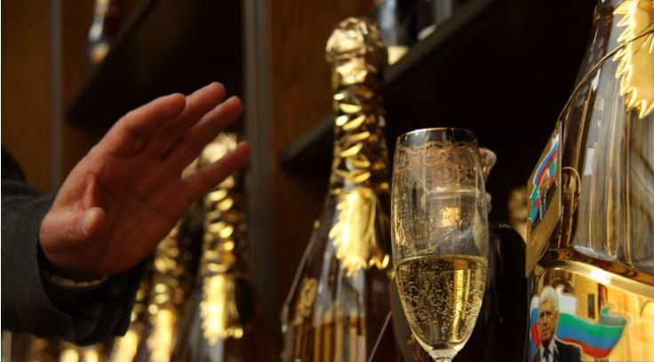 Казакстанда тамеки жана алкоголь сатуунун шарты катаалдашты