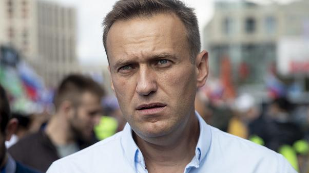 Орус оппозиционери Алексей Навальный комада жатат