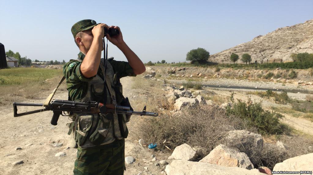 Баткен: чек арага жакын жерде ок атылып, кыргыз жараны жарадар болду
