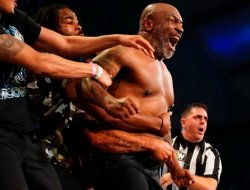 Карсон шаарында боксчулар Майк Тайсон жана Рой Джонс кичи көргөзмө дуэлин өткөрүшөт