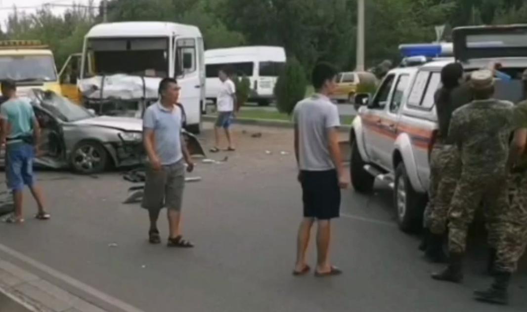 Бишкекте жол кырсыгынан бир адам каза болду — видео