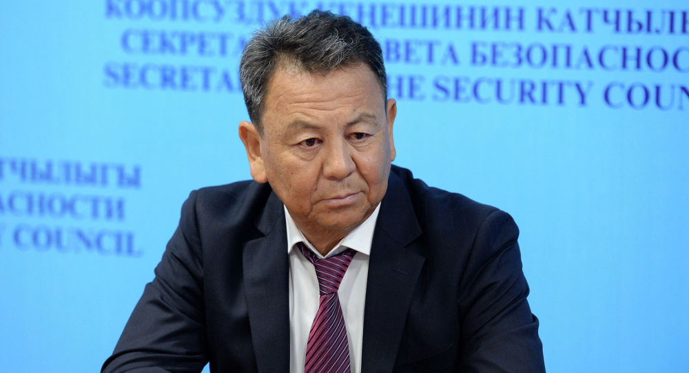 """Өмүрбек Суваналиев: """"Бүтүн Кыргызстанды"""" шайлоодон четтетүү саясий буйрутма"""