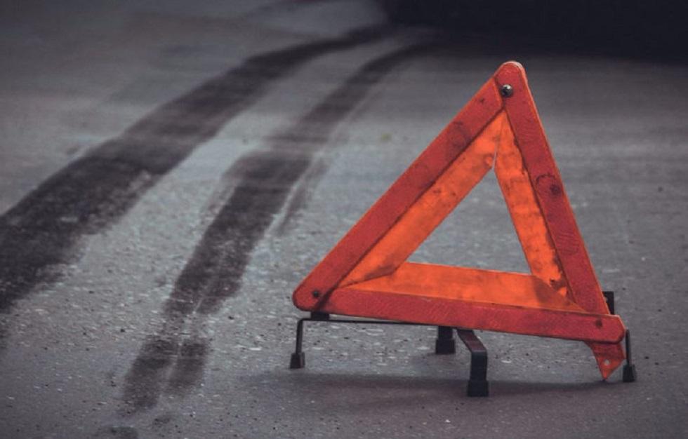 Ат-Башыда жол кырсыгында унаа жолдон чыгып оодарылып кеткен