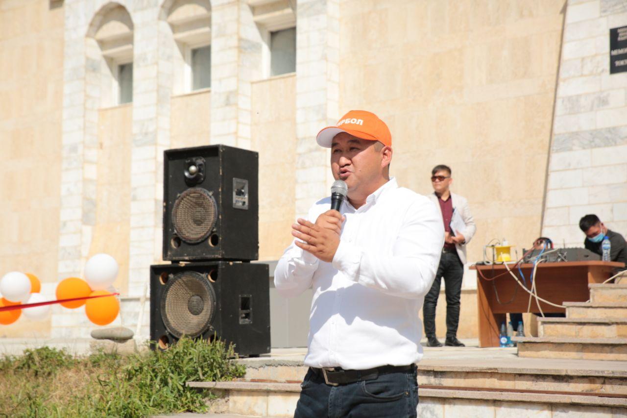 """Темирбек Ажыкулов, """"Бир Бол, №13: """"Бюджетти толтурууну кааласак, ишкерлерге бут тосконду токтотуш керек»"""