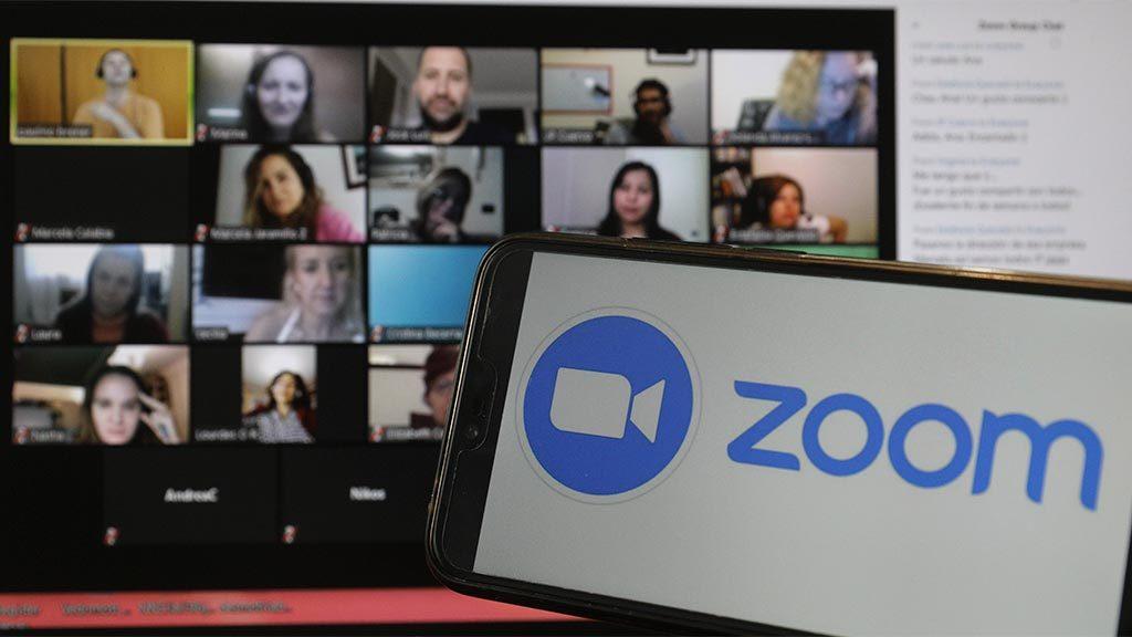 Zoom кызматынын негиздөөчүсү бир күндө 5 млрд доллардан ашык киреше тапты