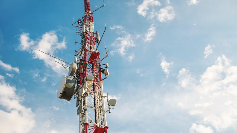 Казакстандыктар 4G жана 5G антенналарын орнотуудан коркпоону суранышты
