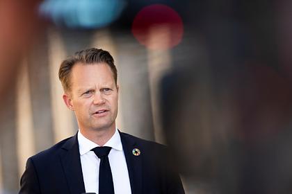 Даниялык министр 15 жаштагы кыз менен жыныстык катнашта болгону үчүн элден кечирим сурады