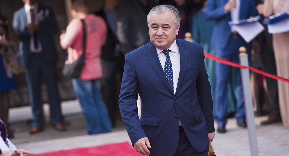 Текебаев төрагалыкка умтулуп, президенттик милдетти аркалоону көздөөдөбү?