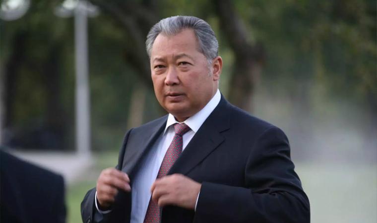 Бакиев: Кыргызстанда болуп жатан окуяларды жүрөгүм ооруп, оор кабыл алдым