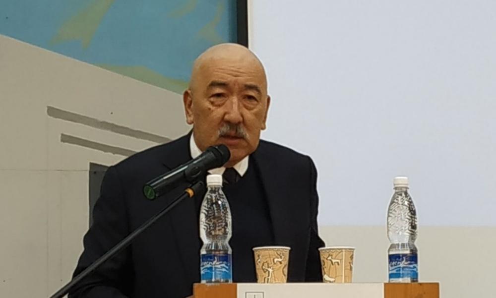 Исхак Масалиев Жогорку Кеңешке Мыктыбек Абдылдаевди төрага кылууну сунуштады