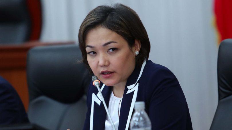 """Вице-спикер Аида Касымалиева """"зордуктайбыз"""" деп коркутуулар болгондугун айтты – видео"""
