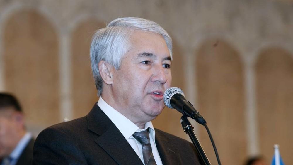 Мыктыбек Абдылдаев: Депутаттар кырдаалдан чыгуу үчүн чечим кабыл алууга даяр