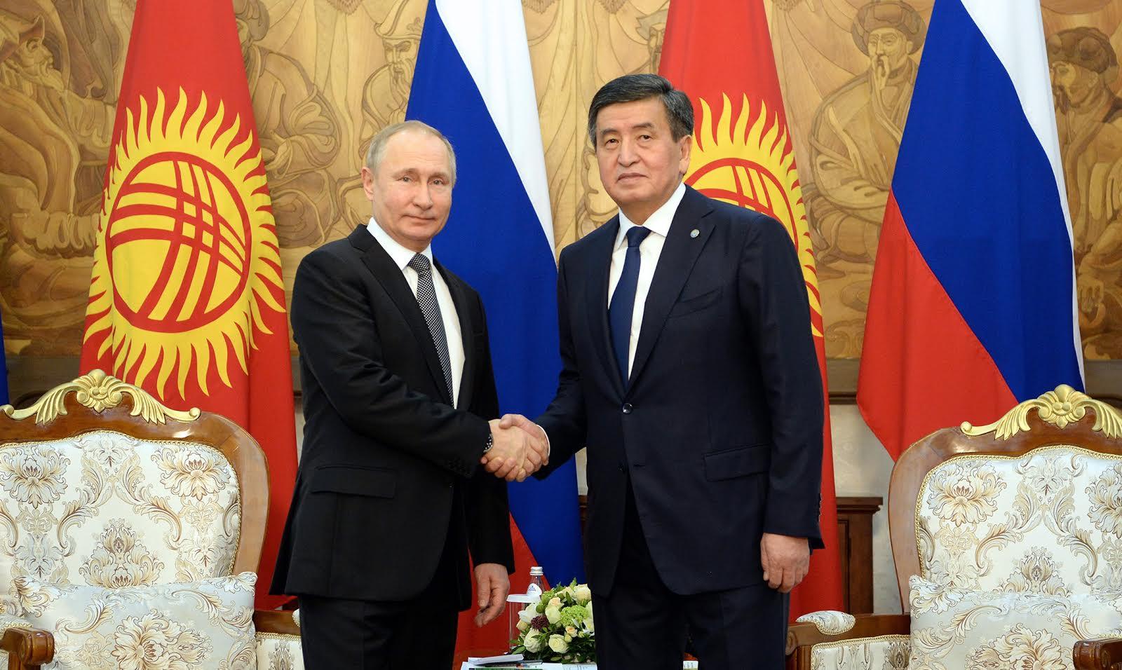 Сооронбай Жээнбеков Путинди туулган күнү менен куттуктады