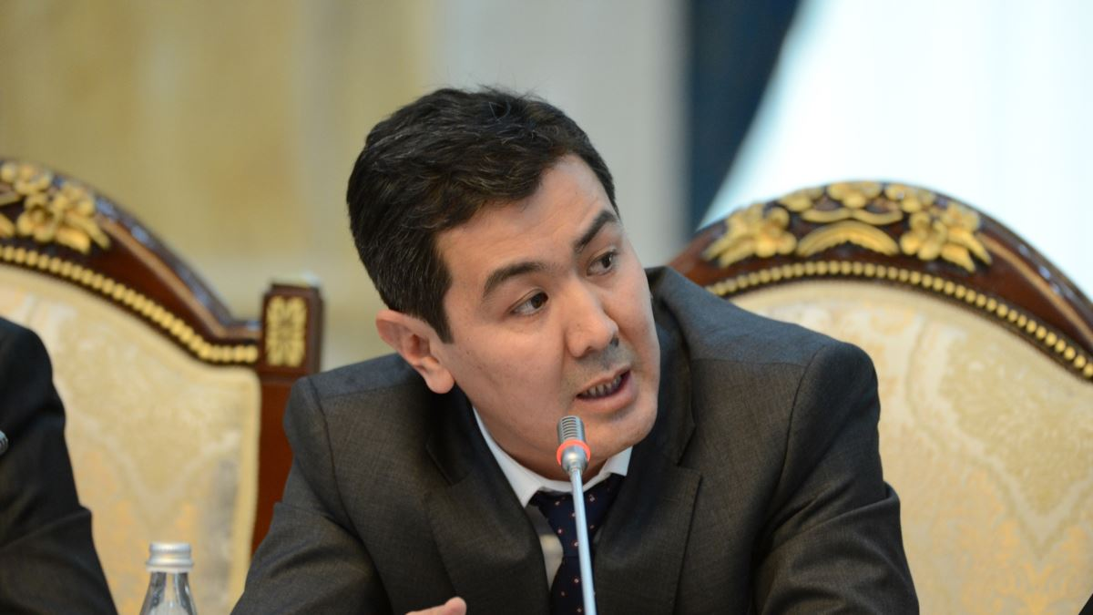 Руслан Акматбек: депутаттар Мамытов менен Зулушев өткөндөн сабак алышса…