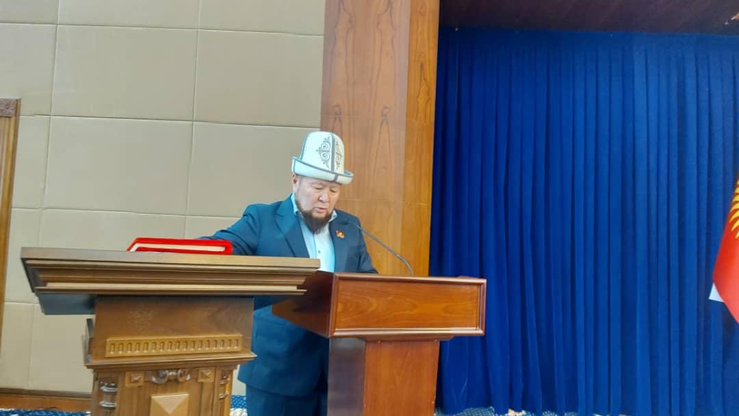 Жогорку Кеңеште жаңы 2 депутат ант берди