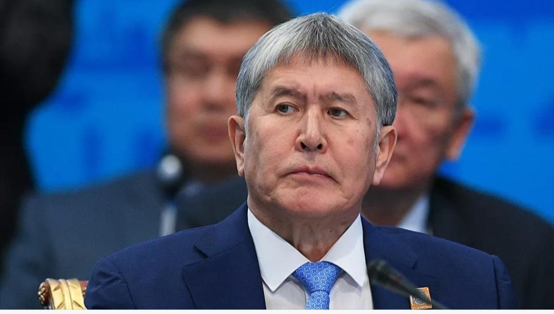 Атамбаев: Ала-Тоо аянтында автоунаамды аткылашты — видео