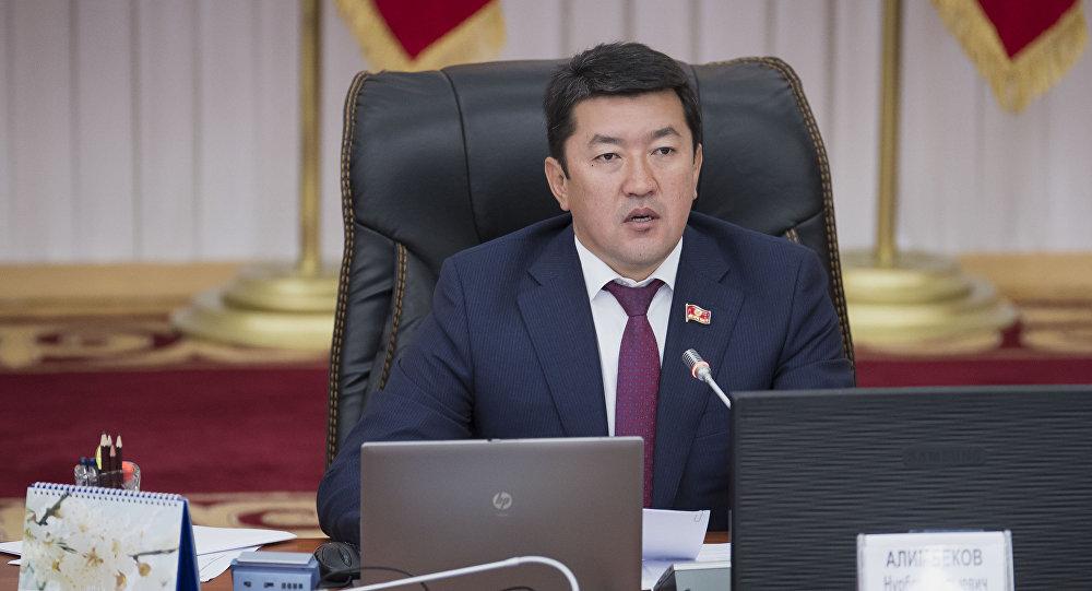 """Нурбек Алимбеков """"Кыргызстан"""" фракциясынын лидери болду"""