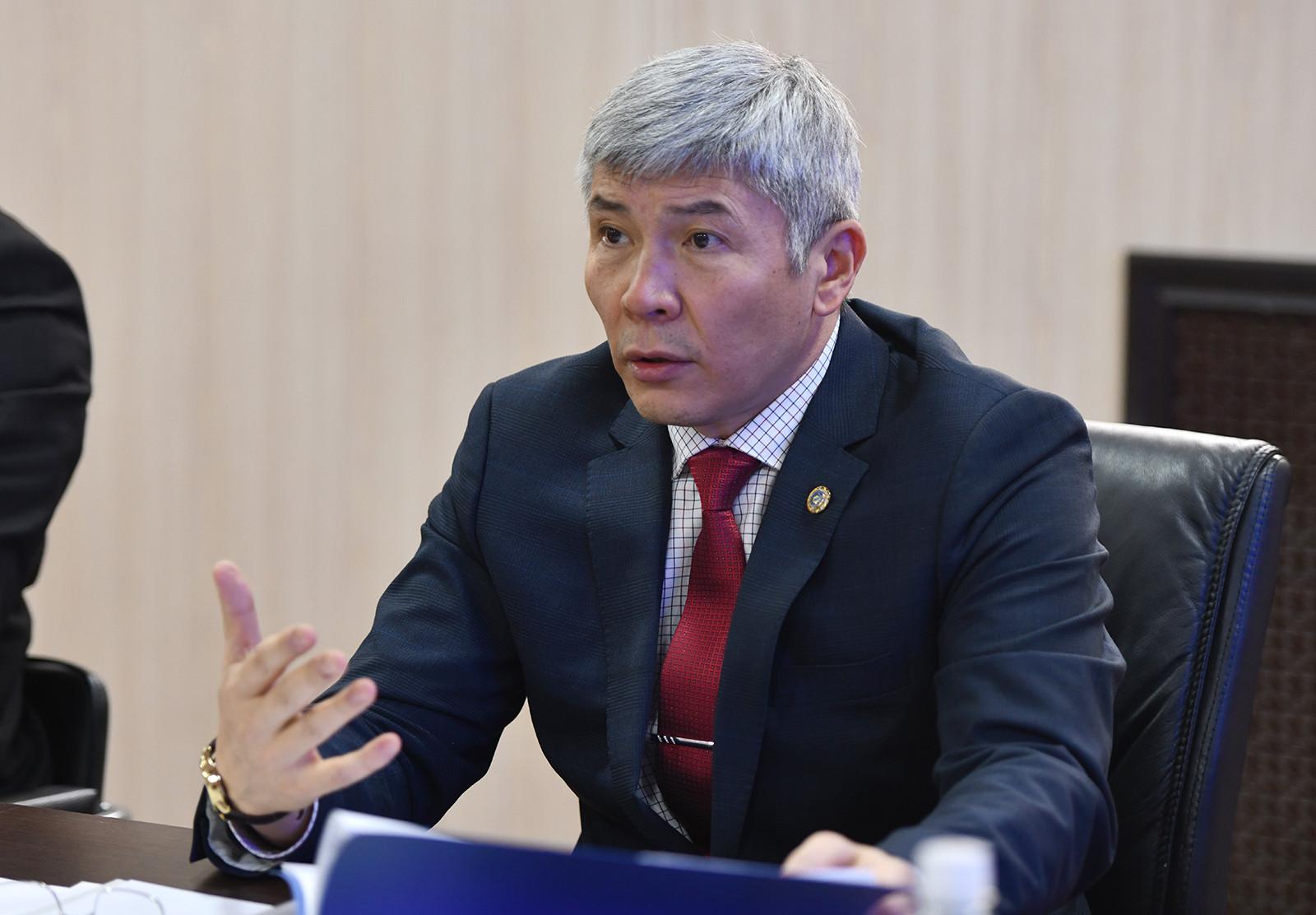 Максат Мамытканов Финансылык чалгындоо кызматынын иши менен таанышты