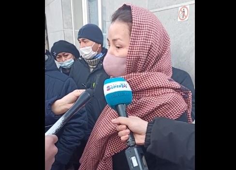 Ленин РИИБи Абдил Сегизбаевдин тарапташтары менен жубайын коё берди