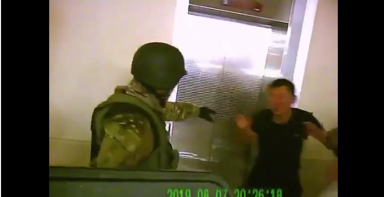 Кой-Ташта Атамбаевдин жеке дарыгери сабалган видео жарыяланды