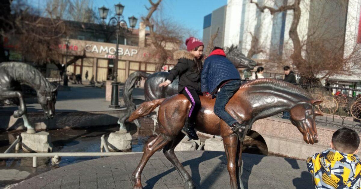 ФОТОРЕП: Кыштын бүркөө кабагы кеттиби? Бүгүн Бишкек…
