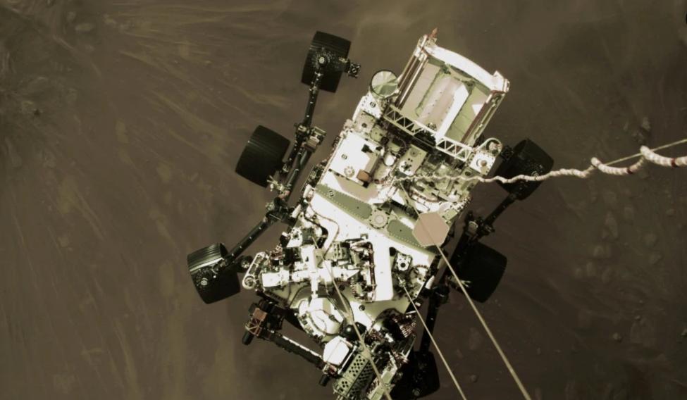 NASA Perseverance аппаратынын Марска конуп жаткан учуру тартылган видеону жарыялады