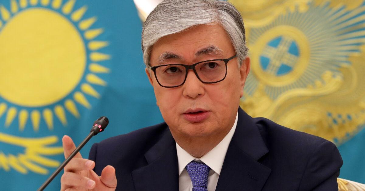 Казакстандын президенти Тажикстанга барат