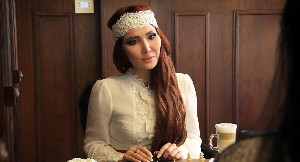 """Ассоль Молдокматова """"Орусиянын эмгек сиңирген ишмери"""" наамын алды — видео"""