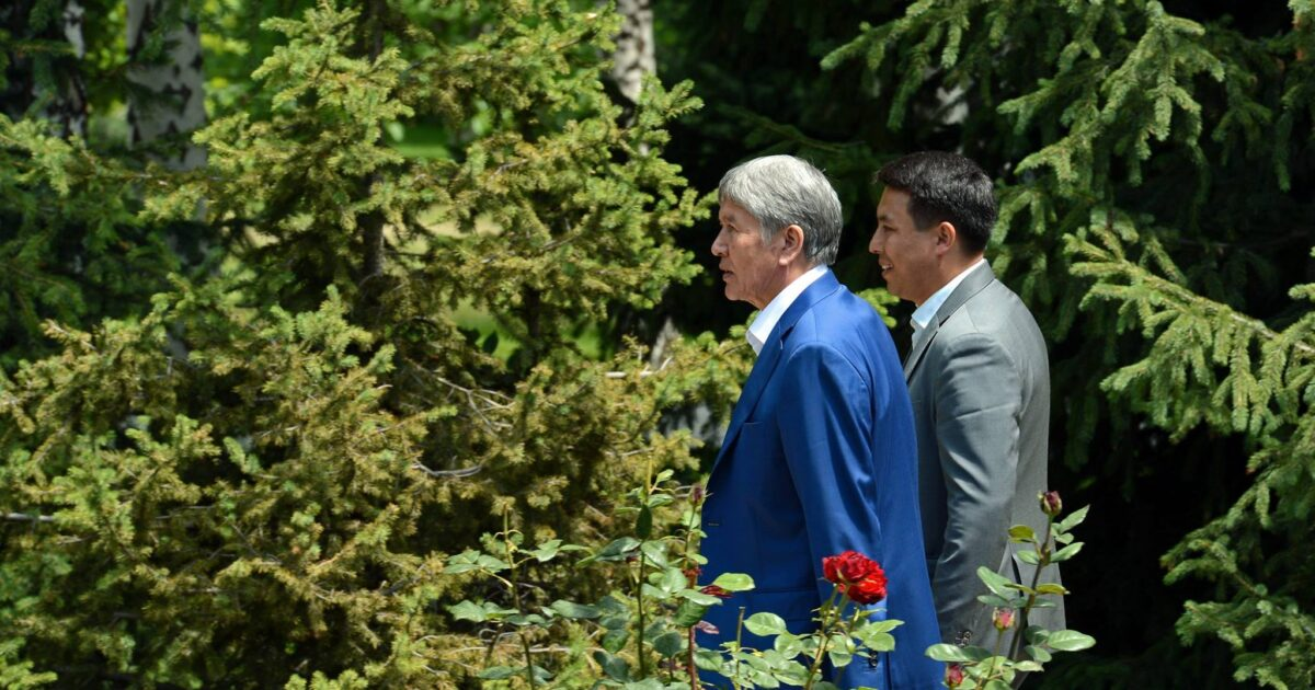 УКМК Алмазбек Атамбаевдин басма сөз кызматынын мурдагы жетекчисин суракка чакырды