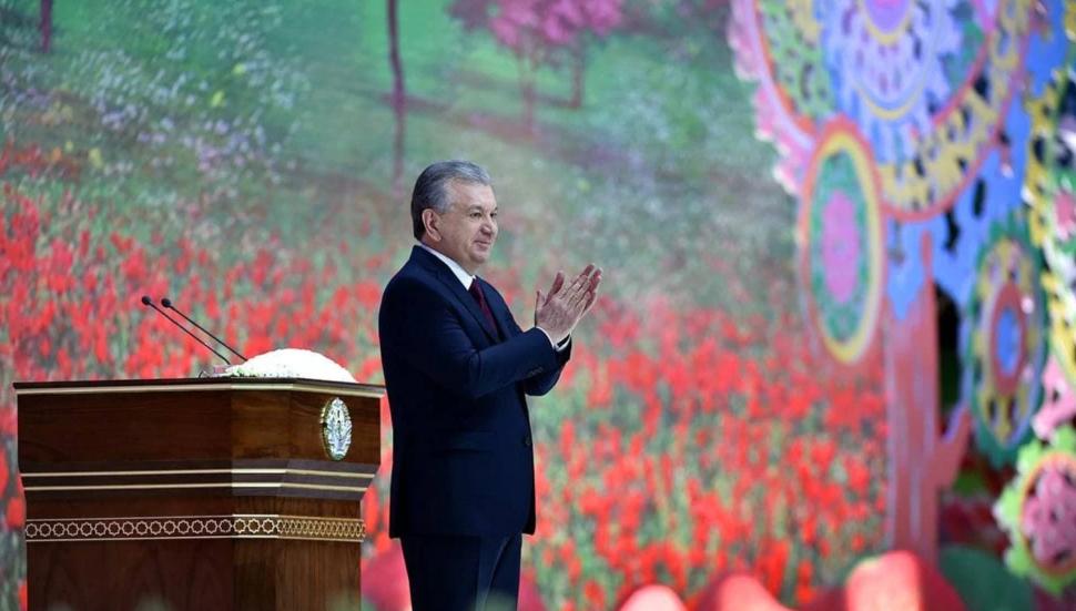 Өзбекстанда президентке Интернет аркылуу акарат келтиргендерге жаза киргизилди