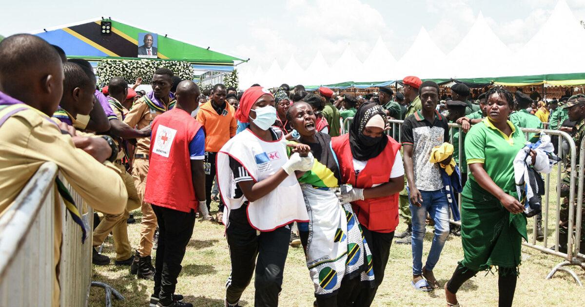 Танзанияда президентти акыркы сапарга узатуу зыйнатында 45 адам каза болду