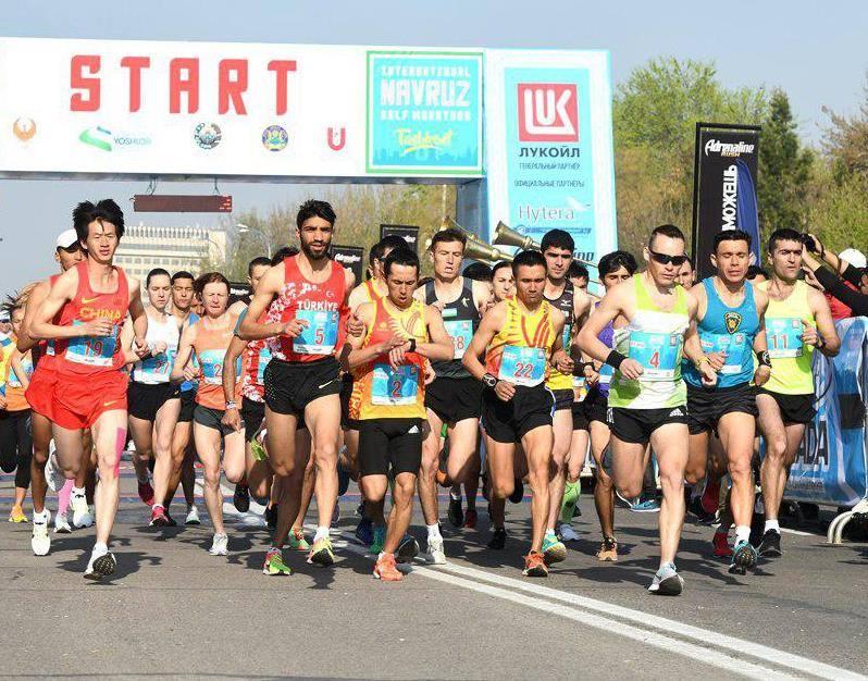 Жөө күлүктөр Ташкент марафонунда 2 алтын, 1 күмүш, 1 коло мөөрөй утту